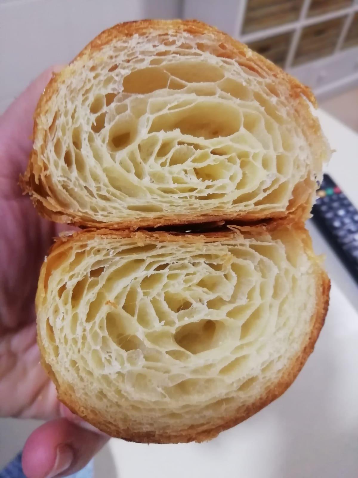 Imagen de producto: https://tienda.postreadiccion.com/img/articulos/secundarias12502-curso-de-croissants-y-napolitanas-2022019-1.jpeg