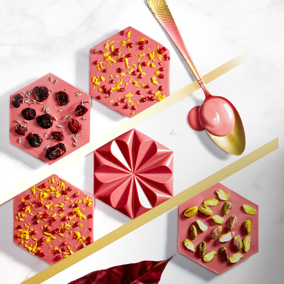 Imagen de producto: https://tienda.postreadiccion.com/img/articulos/secundarias12554-250-g-chocolate-rosa-callebaut-en-gotas-2.jpg