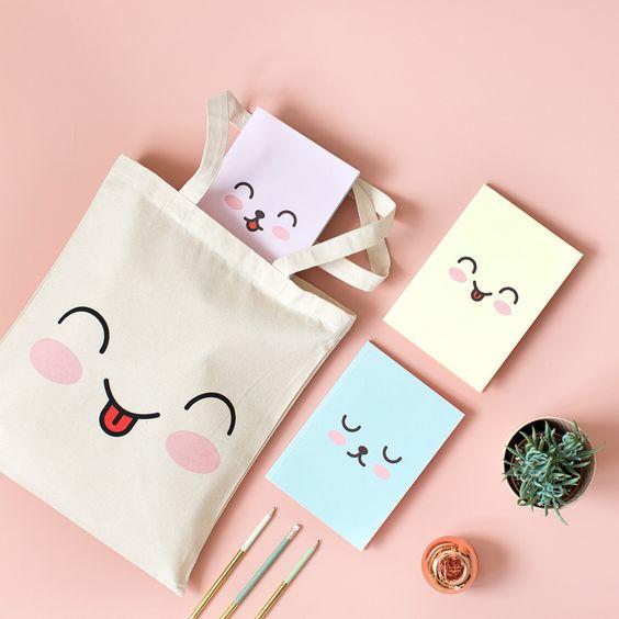 Imagen de producto: https://tienda.postreadiccion.com/img/articulos/secundarias12744-tote-bag-emoji-2.jpg
