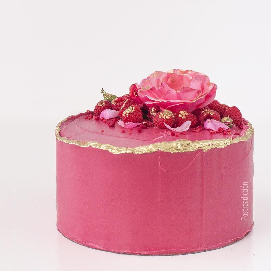 Imagen de producto: https://tienda.postreadiccion.com/img/articulos/secundarias12807-curso-online-de-tartas-con-semifrios-2.jpg