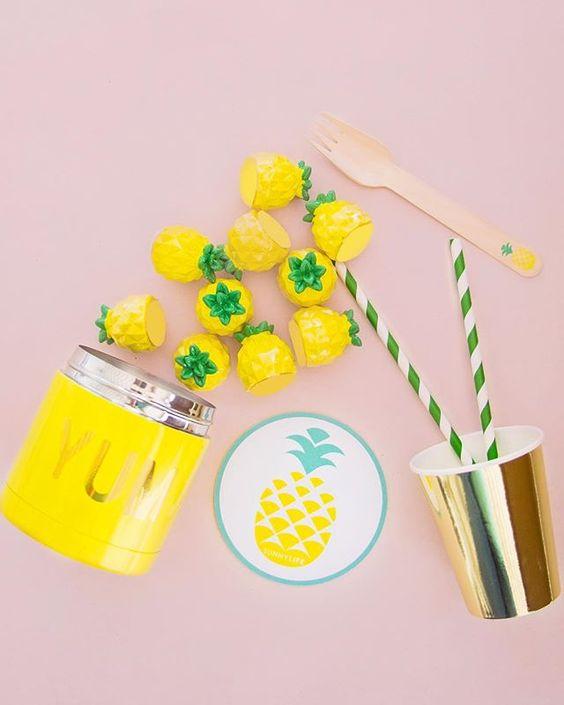Imagen de producto: https://tienda.postreadiccion.com/img/articulos/secundarias12889-8-vasos-dorados-2.jpg
