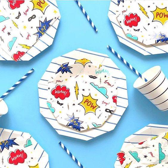 Imagen de producto: https://tienda.postreadiccion.com/img/articulos/secundarias12896-8-platos-pequenos-de-super-heroes-con-foil-3.jpg