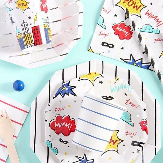 Imagen de producto: https://tienda.postreadiccion.com/img/articulos/secundarias12896-8-platos-pequenos-de-super-heroes-con-foil-5.jpg