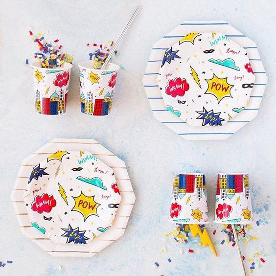 Imagen de producto: https://tienda.postreadiccion.com/img/articulos/secundarias12896-8-platos-pequenos-de-super-heroes-con-foil-6.jpg
