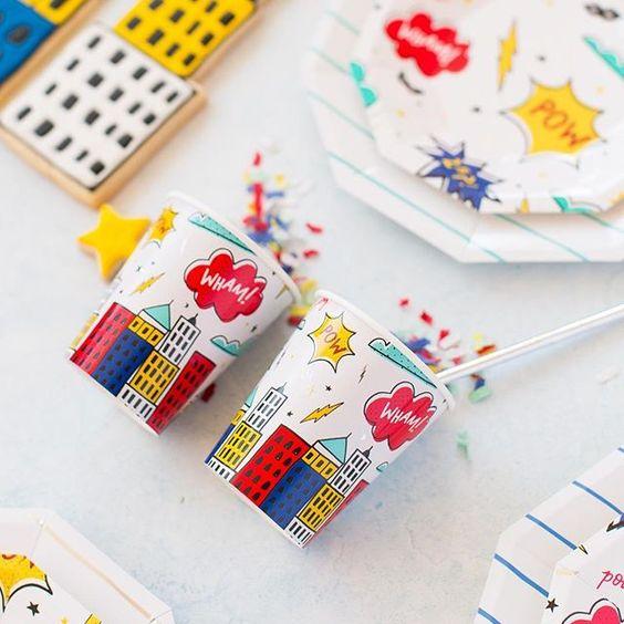 Imagen de producto: https://tienda.postreadiccion.com/img/articulos/secundarias12897-8-vasos-de-papel-de-super-heroes-con-foil-2.jpg