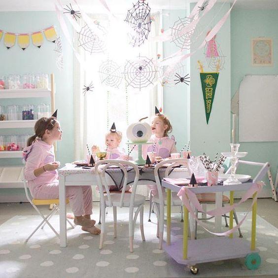 Imagen de producto: https://tienda.postreadiccion.com/img/articulos/secundarias12899-8-platitos-de-halloween-6.jpg