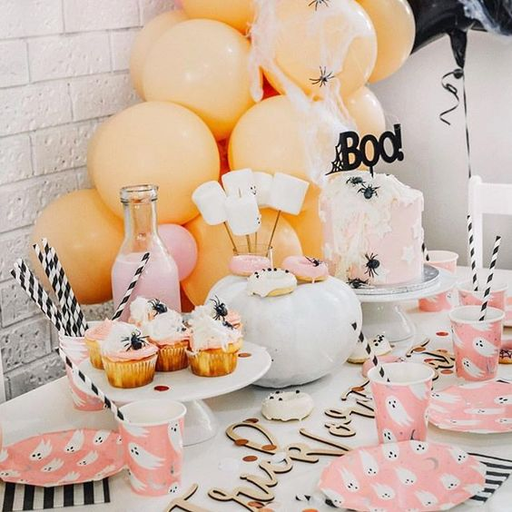 Imagen de producto: https://tienda.postreadiccion.com/img/articulos/secundarias12900-8-vasos-de-halloween-con-foil-6.jpg