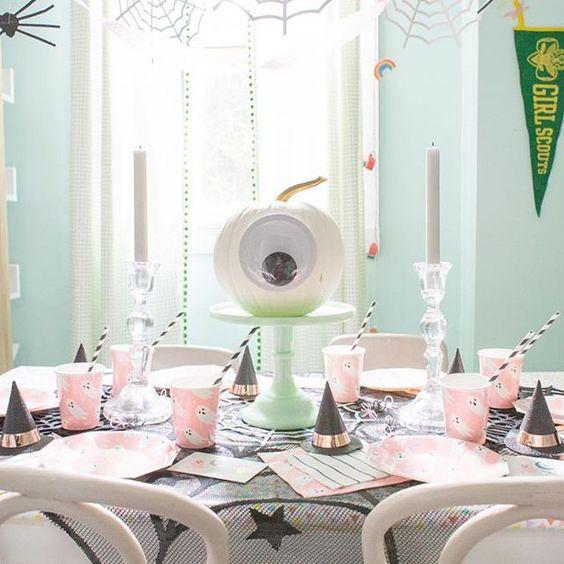 Imagen de producto: https://tienda.postreadiccion.com/img/articulos/secundarias12900-8-vasos-de-halloween-con-foil-8.jpg