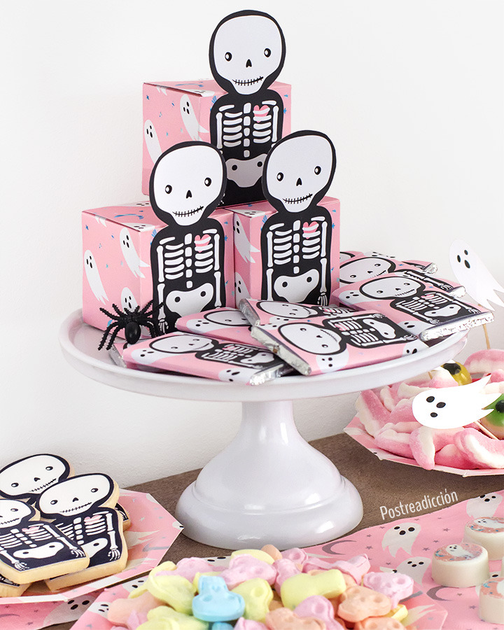 Imagen de producto: https://tienda.postreadiccion.com/img/articulos/secundarias12901-16-servilletas-de-haloween-con-foil-1.jpg
