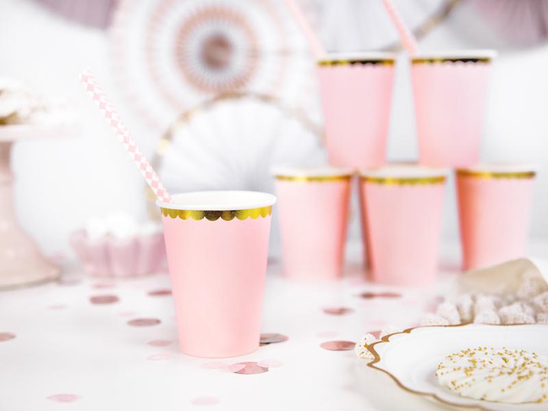 Imagen de producto: https://tienda.postreadiccion.com/img/articulos/secundarias12916-6-vasos-rosas-y-dorados-1.jpg