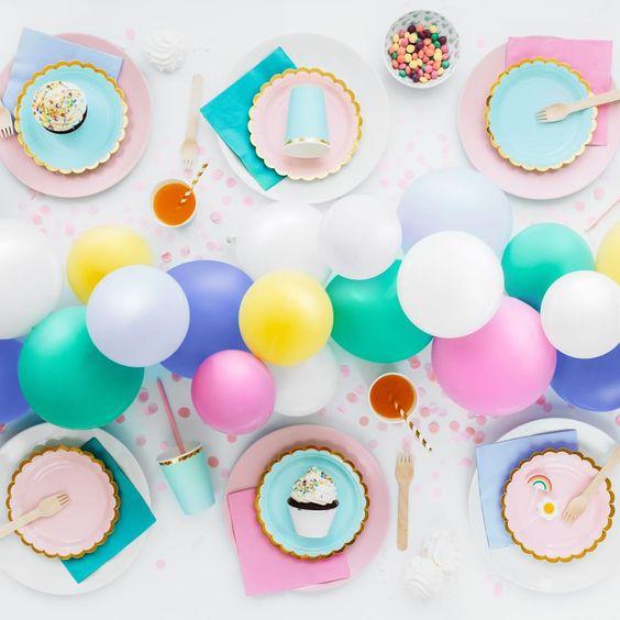 Imagen de producto: https://tienda.postreadiccion.com/img/articulos/secundarias12919-6-platitos-azules-y-dorados-9.jpg