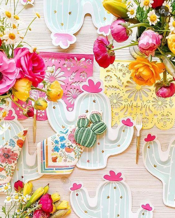 Imagen de producto: https://tienda.postreadiccion.com/img/articulos/secundarias12928-6-platos-en-forma-de-cactus-7.jpg