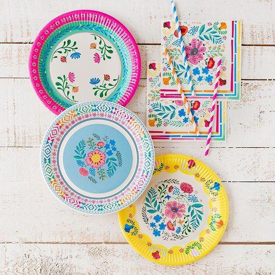 Imagen de producto: https://tienda.postreadiccion.com/img/articulos/secundarias12931-12-platos-de-flores-1.jpg