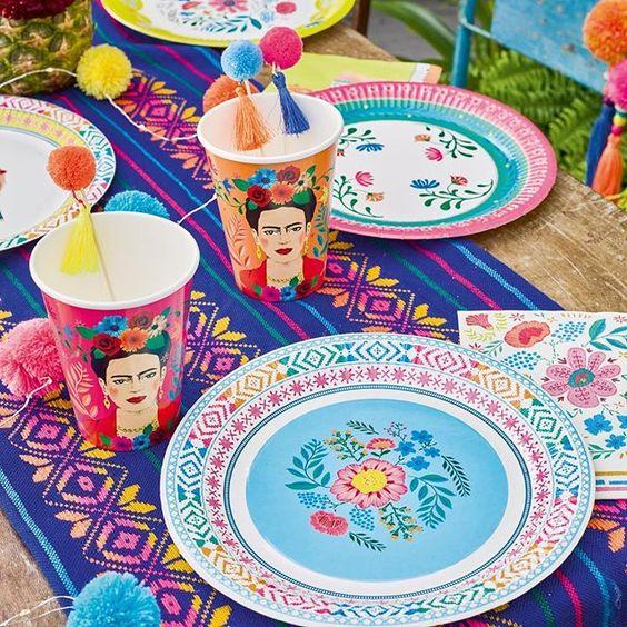 Imagen de producto: https://tienda.postreadiccion.com/img/articulos/secundarias12931-12-platos-de-flores-2.jpg
