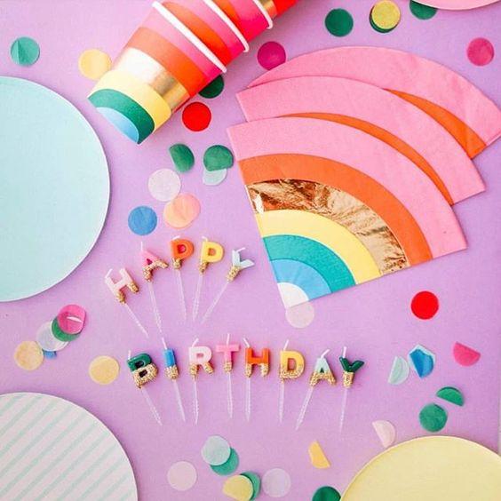Imagen de producto: https://tienda.postreadiccion.com/img/articulos/secundarias12936-16-servilletas-de-arcoiris-con-foil-4.jpg