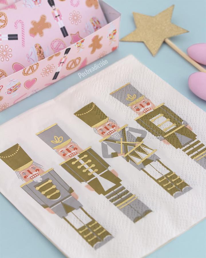 Imagen de producto: https://tienda.postreadiccion.com/img/articulos/secundarias13012-6-toppers-de-estrellas-doradas-5.jpg