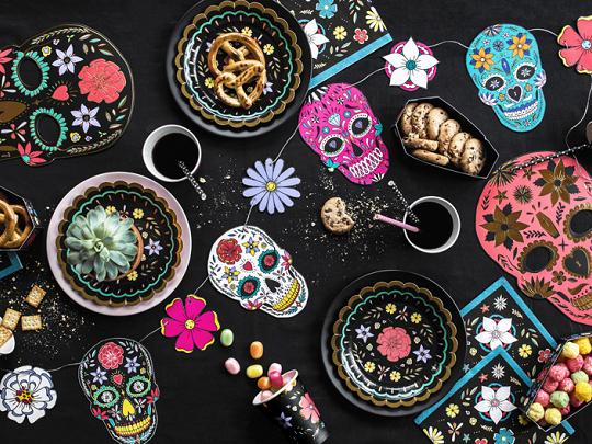 Imagen de producto: https://tienda.postreadiccion.com/img/articulos/secundarias13018-6-platos-del-dia-de-los-muertos-de-18-cm-1.jpg