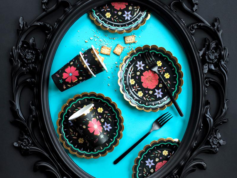 Imagen de producto: https://tienda.postreadiccion.com/img/articulos/secundarias13018-6-platos-del-dia-de-los-muertos-de-18-cm-3.jpg