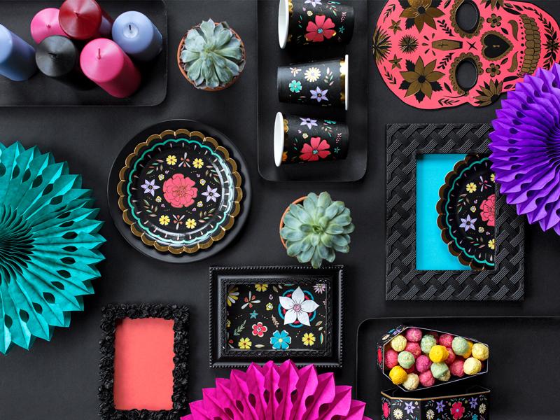 Imagen de producto: https://tienda.postreadiccion.com/img/articulos/secundarias13018-6-platos-del-dia-de-los-muertos-de-18-cm-4.jpg