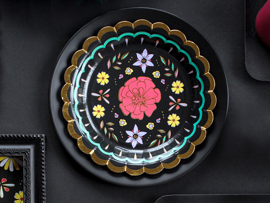 Imagen de producto: https://tienda.postreadiccion.com/img/articulos/secundarias13018-6-platos-del-dia-de-los-muertos-de-18-cm-5.jpg