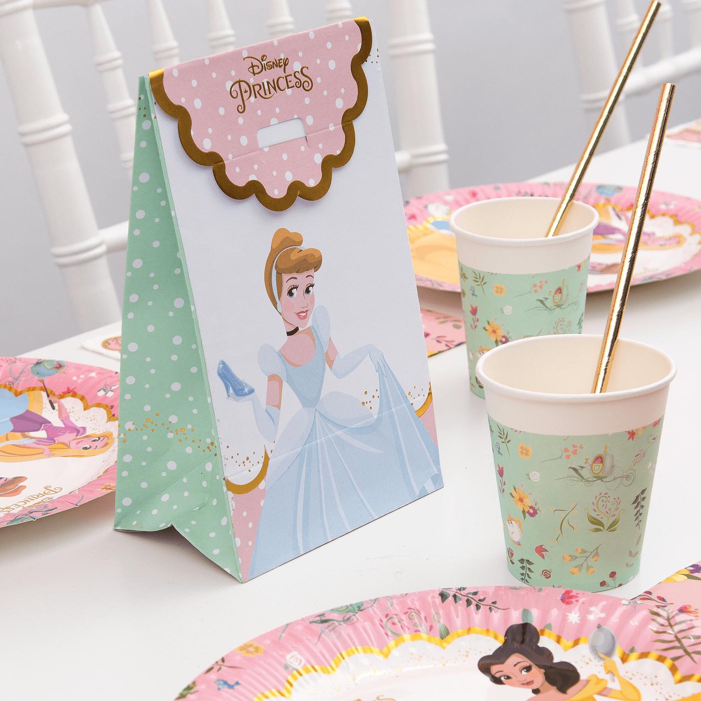 Imagen de producto: https://tienda.postreadiccion.com/img/articulos/secundarias13140-12-vasos-de-princesas-disney-de-200-ml-2.jpg
