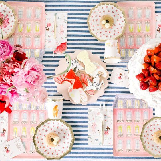 Imagen de producto: https://tienda.postreadiccion.com/img/articulos/secundarias13323-8-vasos-de-papel-de-lola-dutch-con-foil-3.jpg