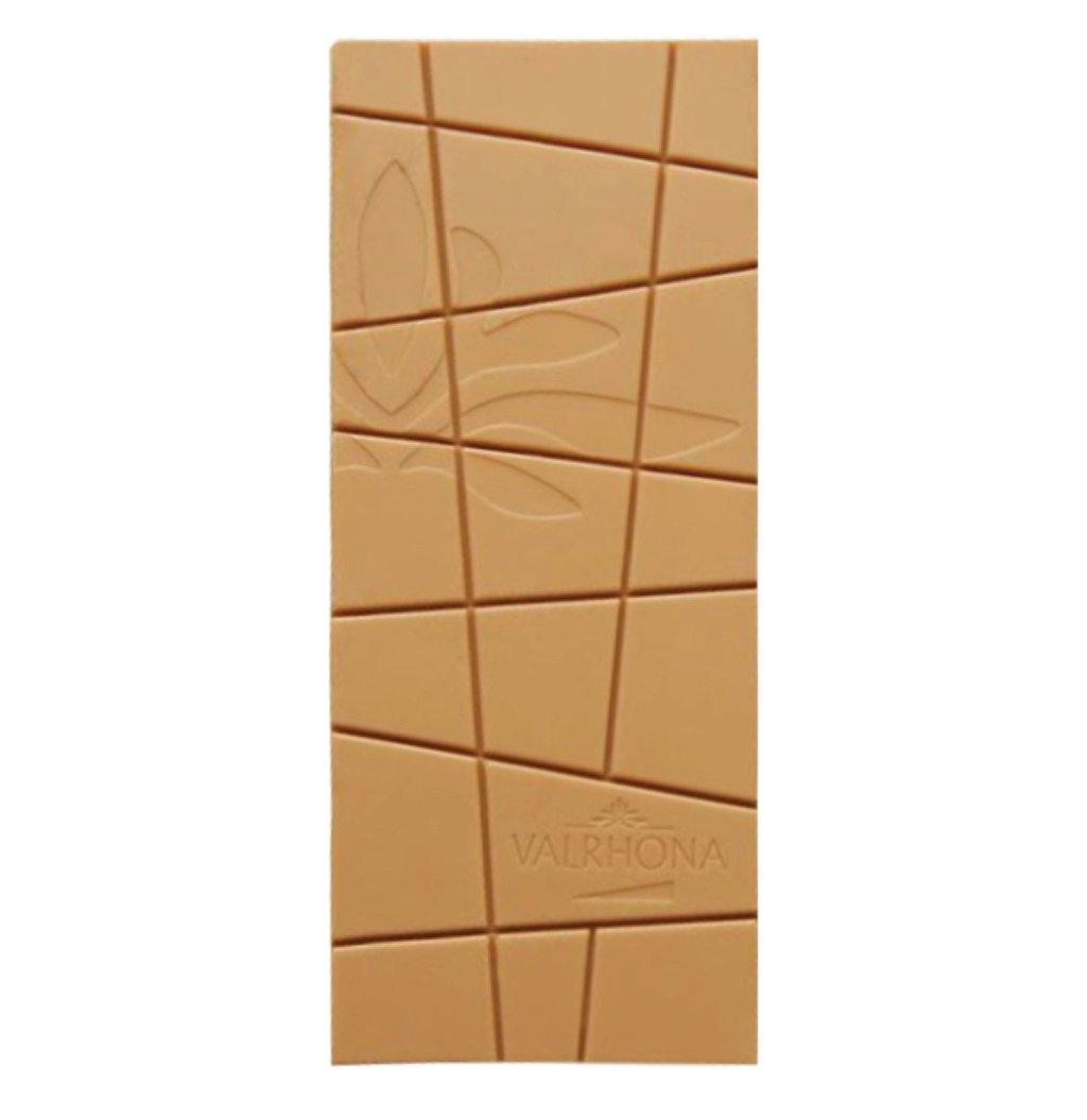 Imagen de producto: https://tienda.postreadiccion.com/img/articulos/secundarias13418-tableta-de-chocolate-dulcey-valrhona-70-g-1.jpg