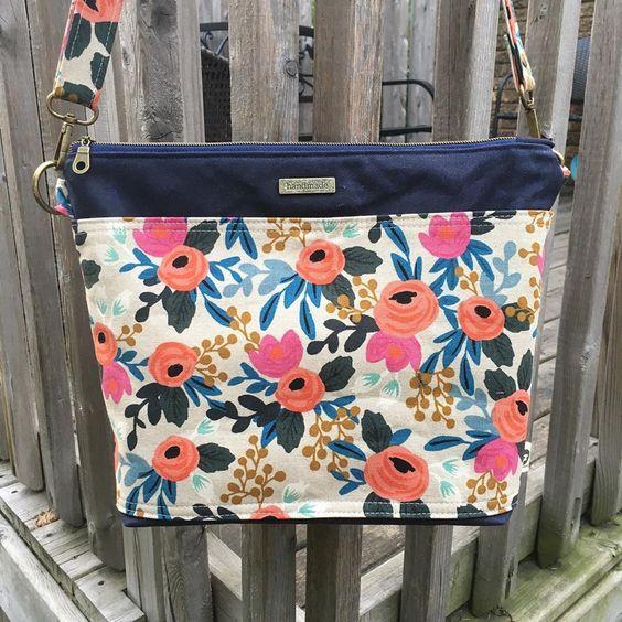 Imagen de producto: https://tienda.postreadiccion.com/img/articulos/secundarias13478-tela-les-fleurs-rosa-floral-loneta-crudo-media-yarda-11.jpg