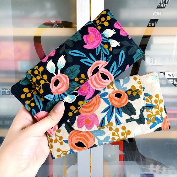 Imagen de producto: https://tienda.postreadiccion.com/img/articulos/secundarias13478-tela-les-fleurs-rosa-floral-loneta-crudo-media-yarda-9.jpg