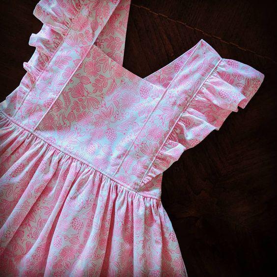 Imagen de producto: https://tienda.postreadiccion.com/img/articulos/secundarias13488-tela-primavera-moxie-floral-rosa-neon-algodon-media-yarda-2.jpg