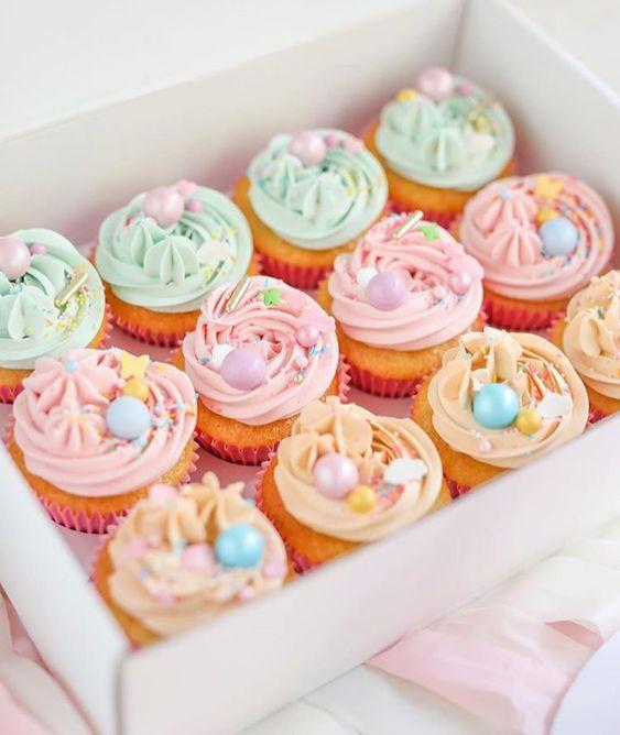 Imagen de producto: https://tienda.postreadiccion.com/img/articulos/secundarias13513-bolas-colores-pastel-de-happy-sprinkles-135-g-3.jpg