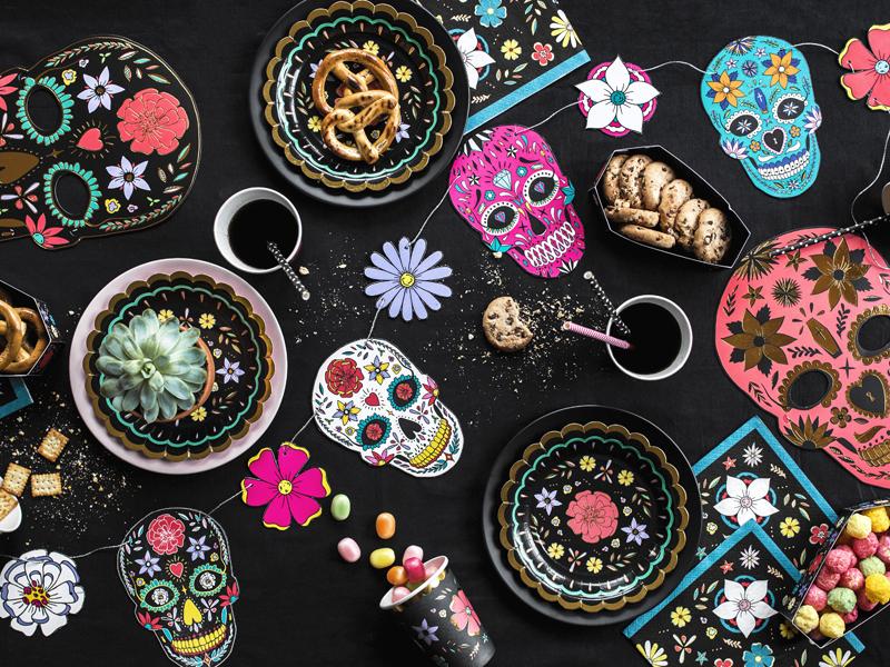 Imagen de producto: https://tienda.postreadiccion.com/img/articulos/secundarias13612-20-servilletas-de-flores-con-fondo-negro-3.jpg