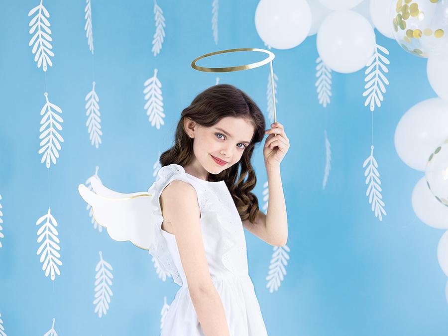 Imagen de producto: https://tienda.postreadiccion.com/img/articulos/secundarias13869-guirnalda-de-hojas-18-m-5.jpg