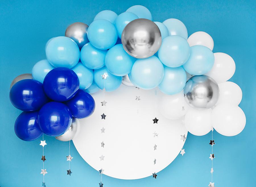 Imagen de producto: https://tienda.postreadiccion.com/img/articulos/secundarias13870-guirnalda-de-globos-azul-y-plateado-1.jpg