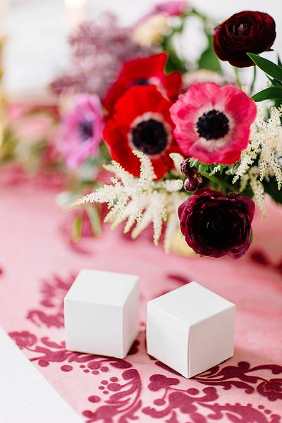 Imagen de producto: https://tienda.postreadiccion.com/img/articulos/secundarias13955-10-cajitas-cubo-blancas-2.jpg