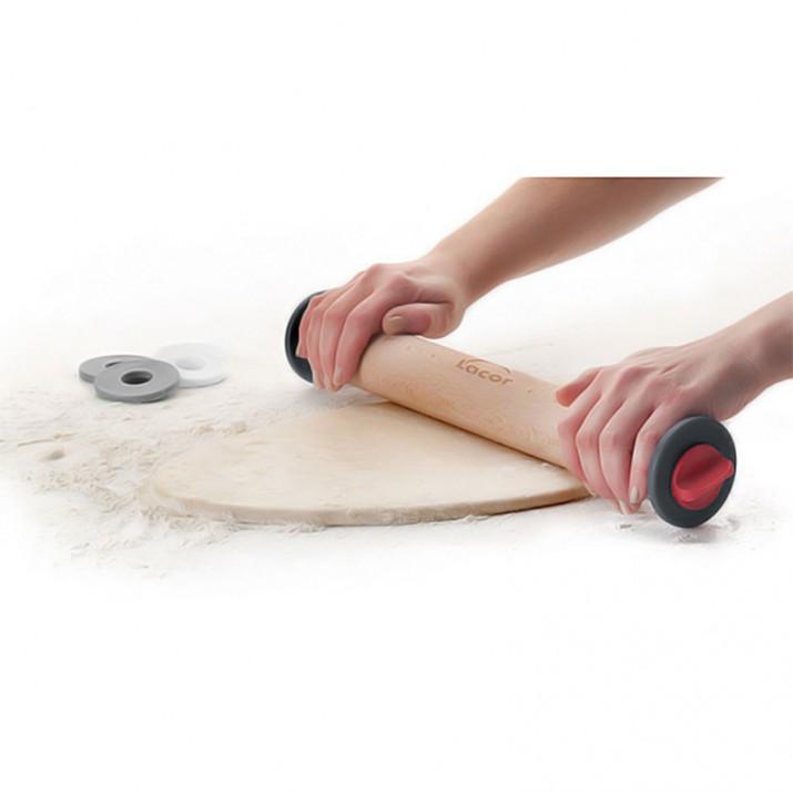Imagen de producto: https://tienda.postreadiccion.com/img/articulos/secundarias13976-rodillo-de-madera-con-guias-34-cm-lacor-2.jpg