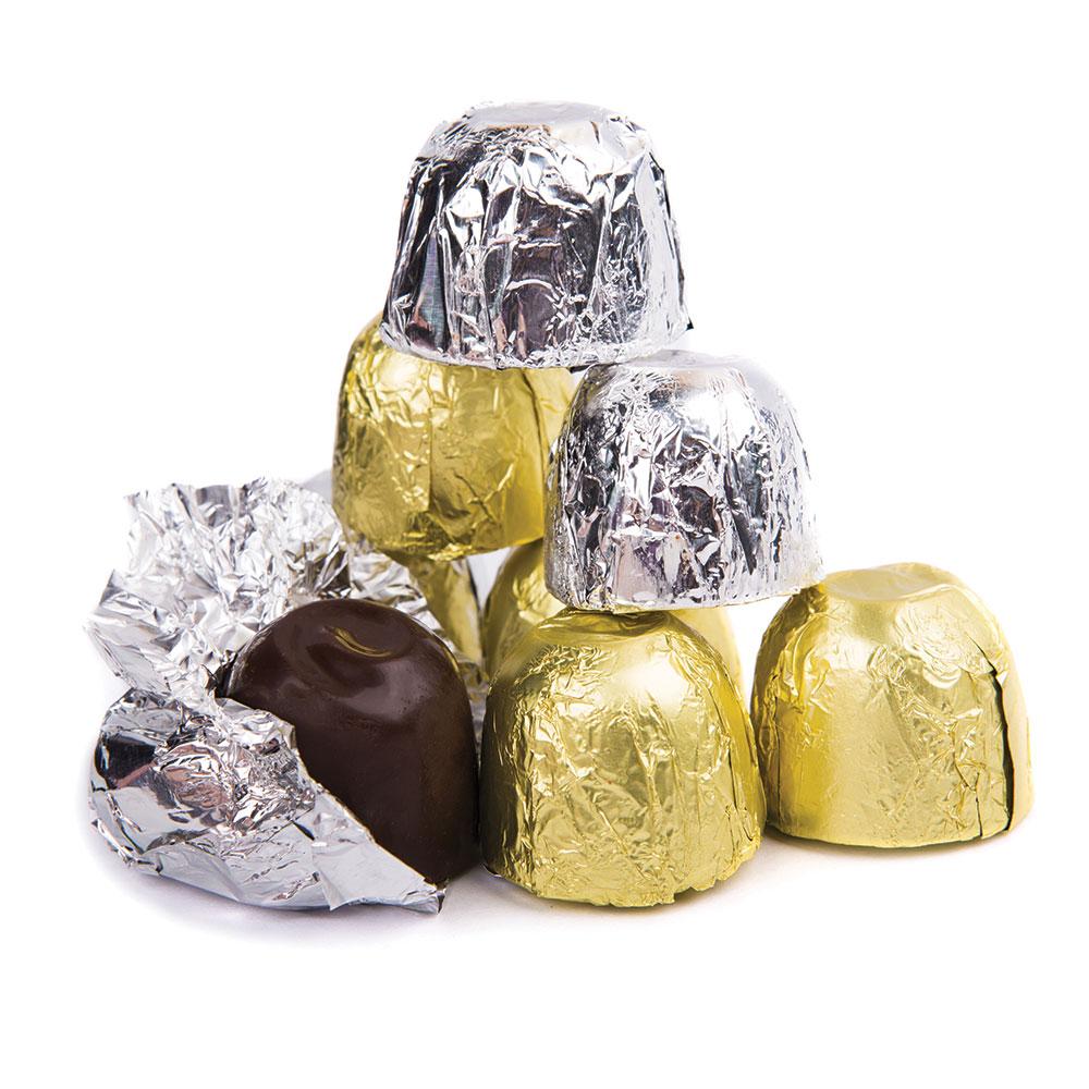 Imagen de producto: https://tienda.postreadiccion.com/img/articulos/secundarias14003-150-laminas-de-aluminio-doradas-de-10-x-10-cm-decora-1.jpg