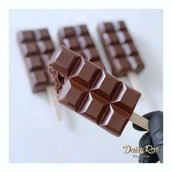 Imagen de producto: https://tienda.postreadiccion.com/img/articulos/secundarias14028-molde-65-portoformas-tableta-chocolate-con-palo-2.jpg