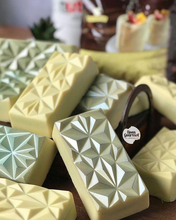 Imagen de producto: https://tienda.postreadiccion.com/img/articulos/secundarias14032-molde-08-portoformas-tabletas-geometricas-13.jpg