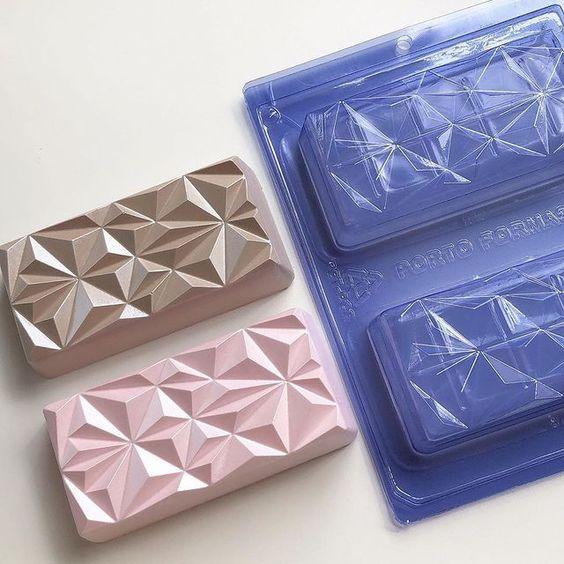 Imagen de producto: https://tienda.postreadiccion.com/img/articulos/secundarias14032-molde-08-portoformas-tabletas-geometricas-14.jpg