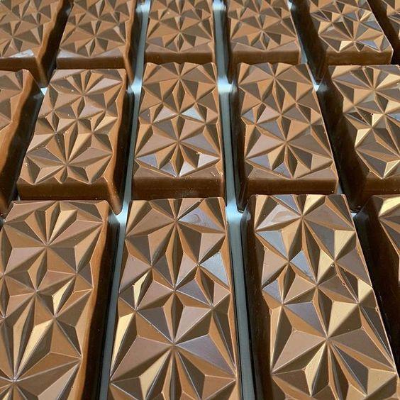 Imagen de producto: https://tienda.postreadiccion.com/img/articulos/secundarias14032-molde-08-portoformas-tabletas-geometricas-4.jpg