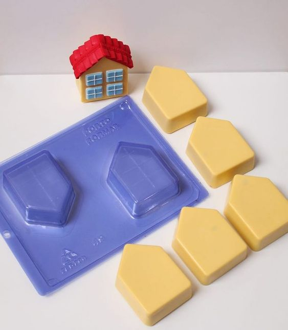 Imagen de producto: https://tienda.postreadiccion.com/img/articulos/secundarias14035-molde-49-portoformas-casitas-3.jpg