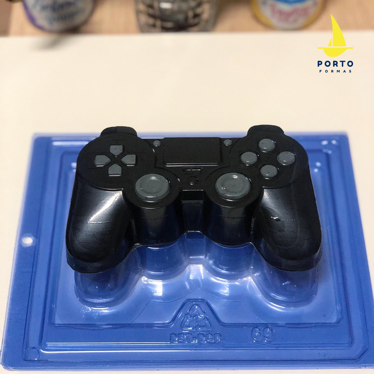 Imagen de producto: https://tienda.postreadiccion.com/img/articulos/secundarias14038-molde-69-portoformas-mando-consola-1.jpeg