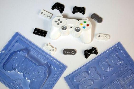 Imagen de producto: https://tienda.postreadiccion.com/img/articulos/secundarias14038-molde-69-portoformas-mando-consola-3.jpg