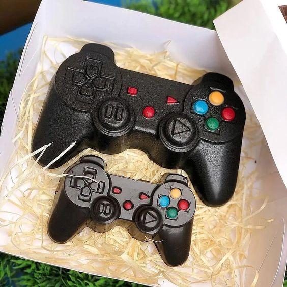 Imagen de producto: https://tienda.postreadiccion.com/img/articulos/secundarias14038-molde-69-portoformas-mando-consola-4.jpg