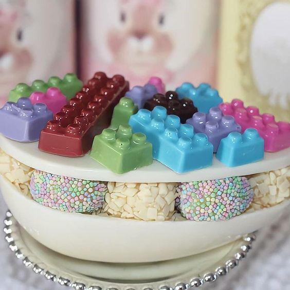 Imagen de producto: https://tienda.postreadiccion.com/img/articulos/secundarias14051-molde-854-portoformas-lego-1.jpg